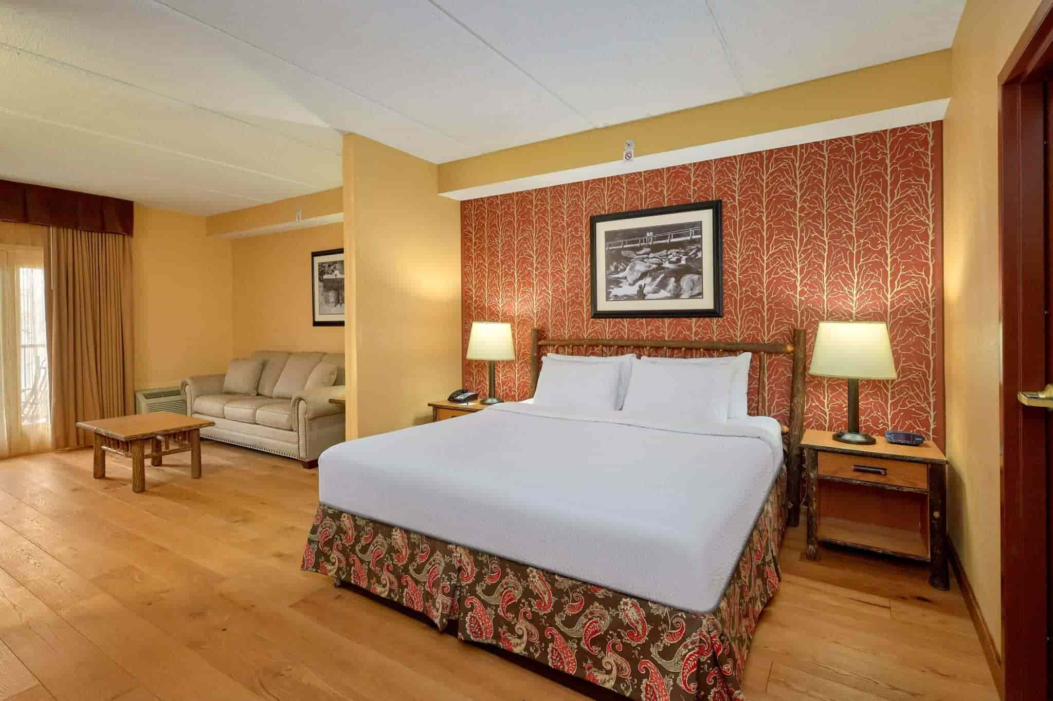King Suite in Bearskin Lodge hotel in Gatlinburg TN