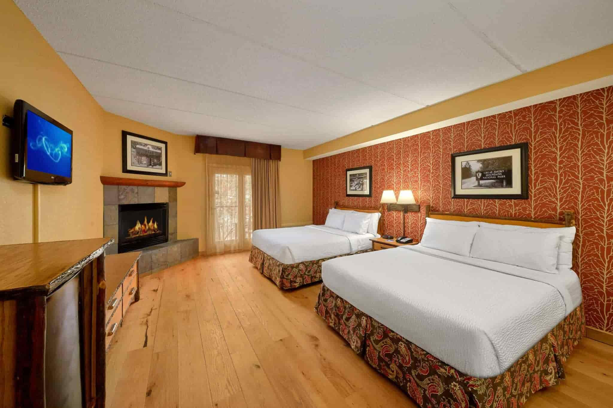 Two Queen Stream View room in Bearskin Lodge hotel in Gatlinburg