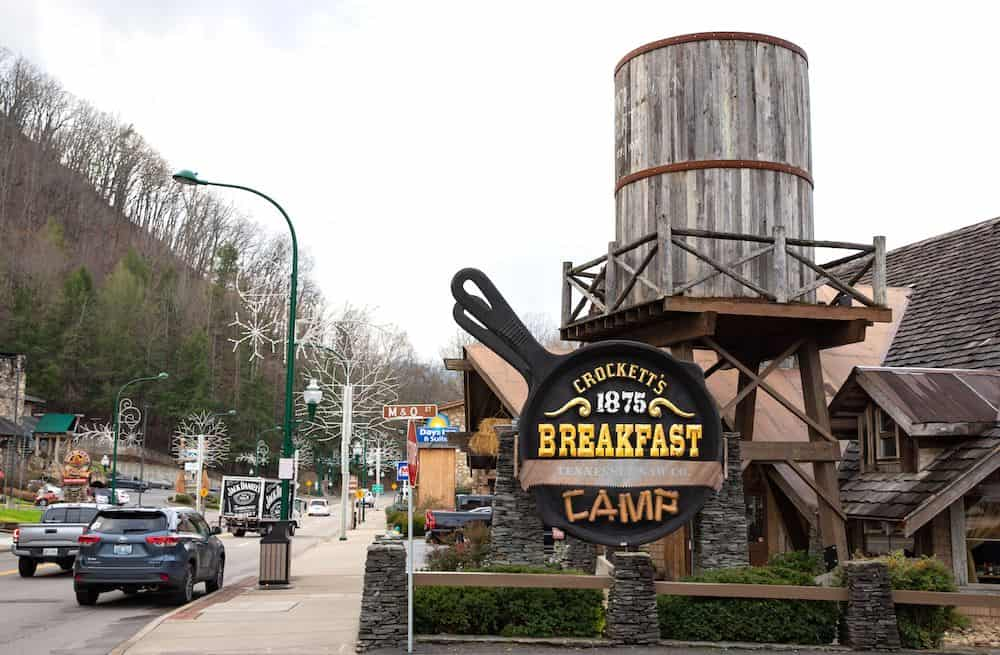 crockett's breakfast camp in gatlinburg
